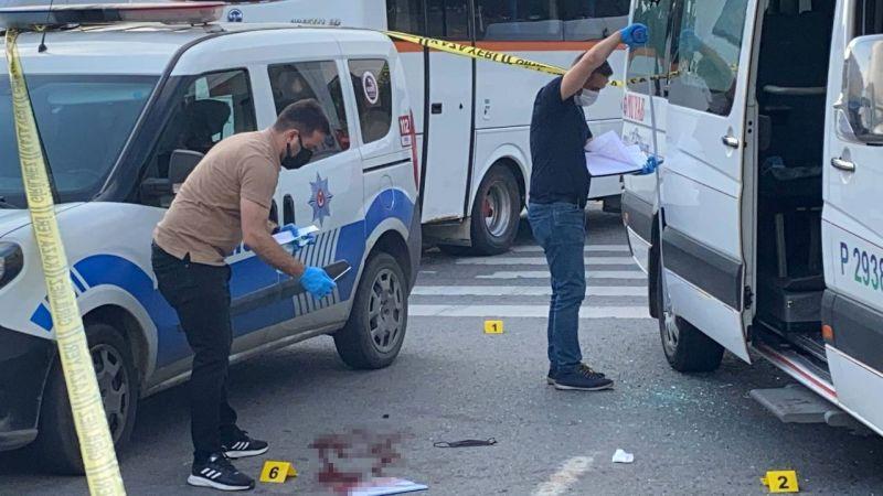 İşçi servisine silahlı saldırı: Yaralılar var!
