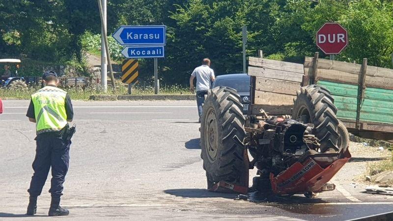 Traktör ikiye ayrıldı! 1 yaralı...