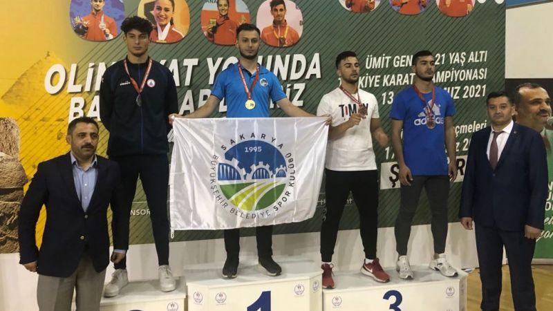 Sakaryalı karateci Türkiye şampiyonu