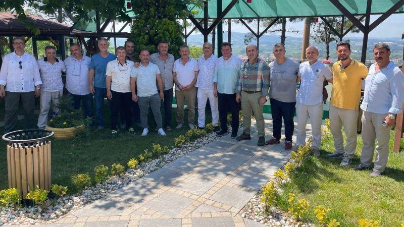 Ferizli'de bir lisenin ilk mezunları 33 yıl sonra buluştu