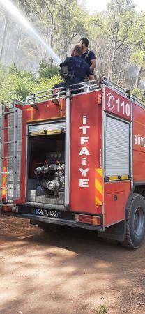 Büyükşehir İtfaiyesinden iki bölgede yangına müdahale