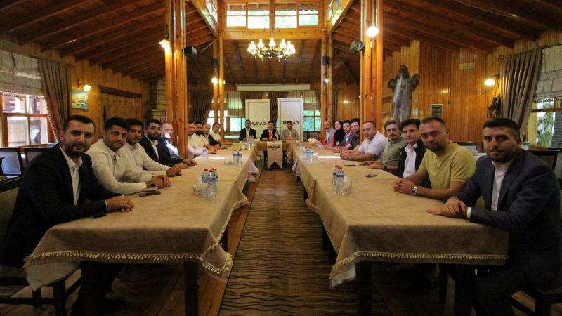 MÜSİAD Akyazı'daki üyelerini buluşturdu