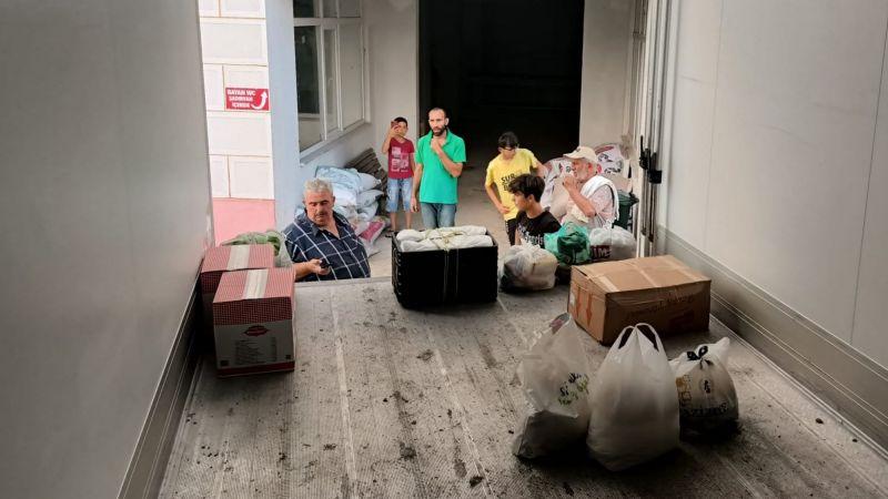 Karapınar ve Tepetarla mahallelerinden 2 TIR yardım