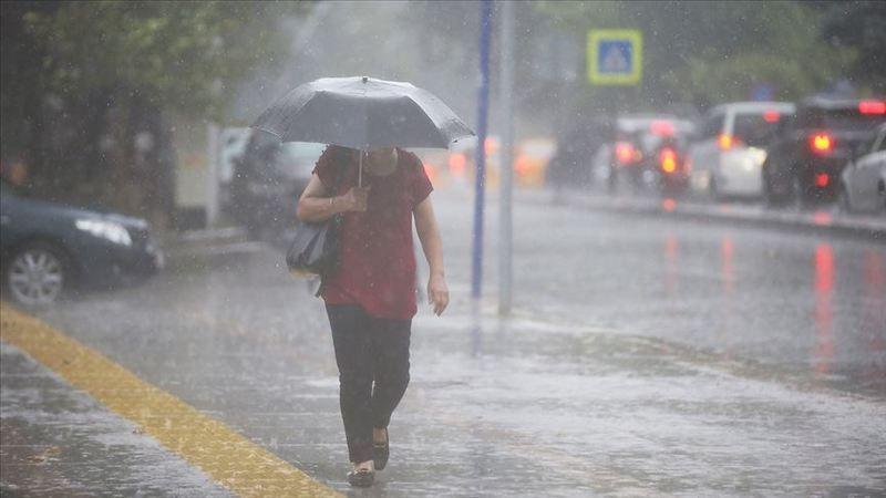 """Dikkat!.. Sağanak yağış """"çok kuvvetli"""" geliyor"""
