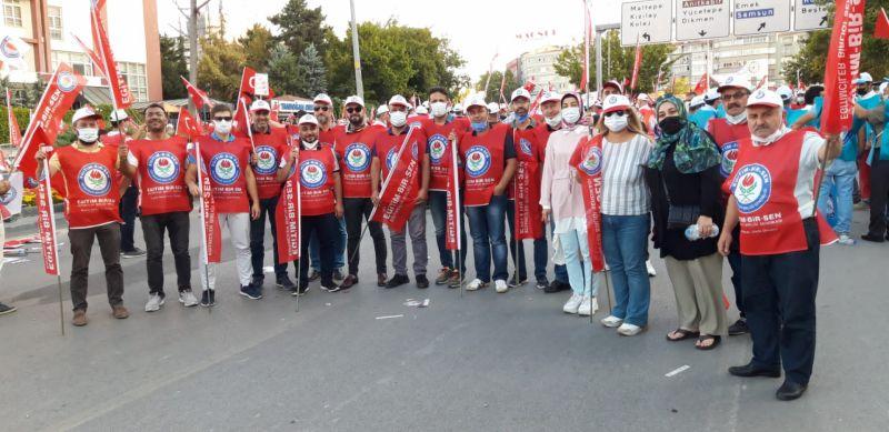Sakarya Memur-Sen 4 otobüsle Ankara'daydı