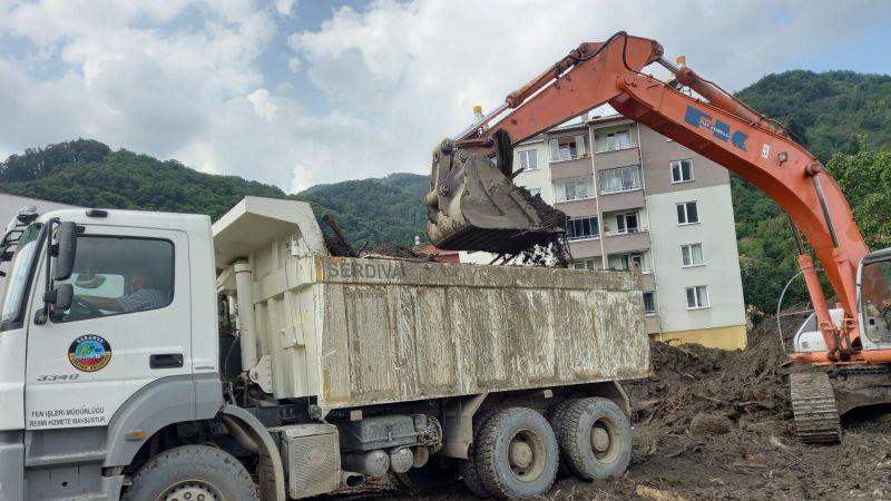 Serdivan Belediyesi afet bölgelerinde...