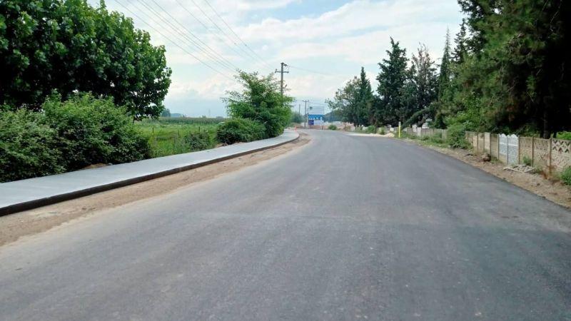 Erenler'in mahalleleri beton yaya yoluna kavuşuyor