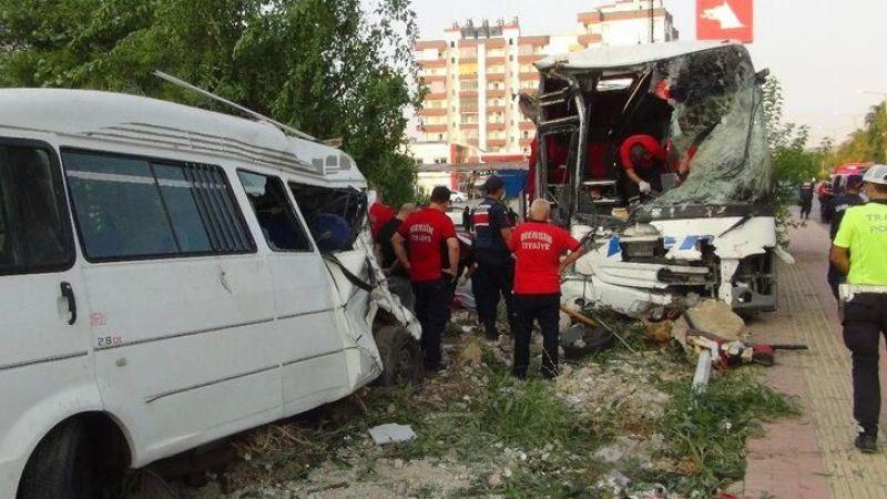 Otobüs devrildi: 33 yaralı!