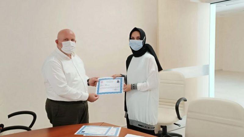 Hastane personeline takdir belgesi verildi
