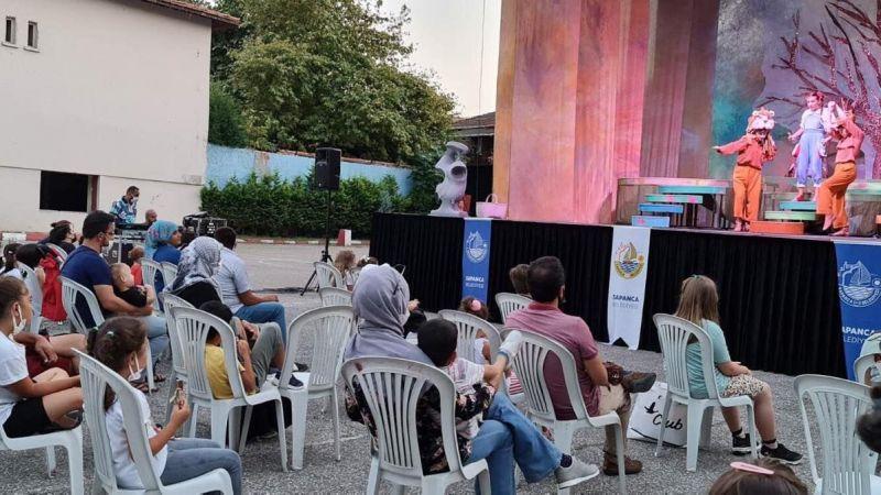 """""""Yunus Diye"""" çocuk tiyatrosu Sapanca'da sahnelendi"""