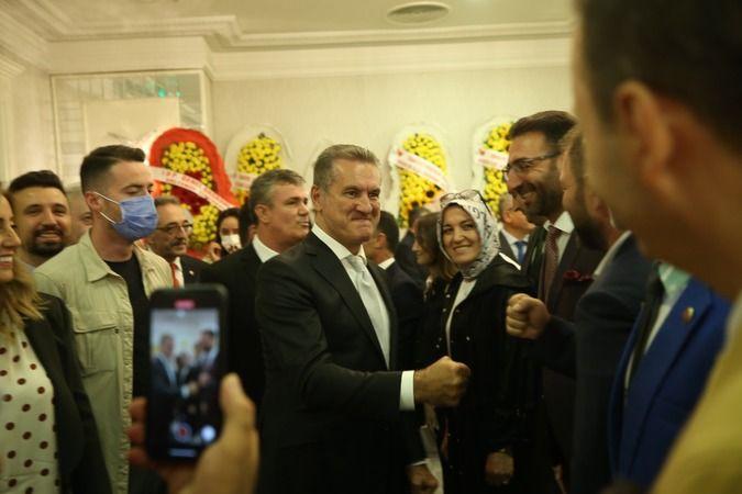 Mustafa Sarıgül Sakarya'da kongreye katıldı