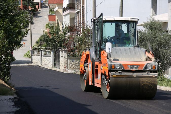 Serdivan'da Asfalt Çalışmaları Devam Ediyor