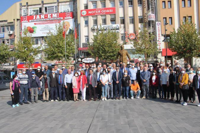 CHP kuruluşunun 98'nci yılını kutluyor