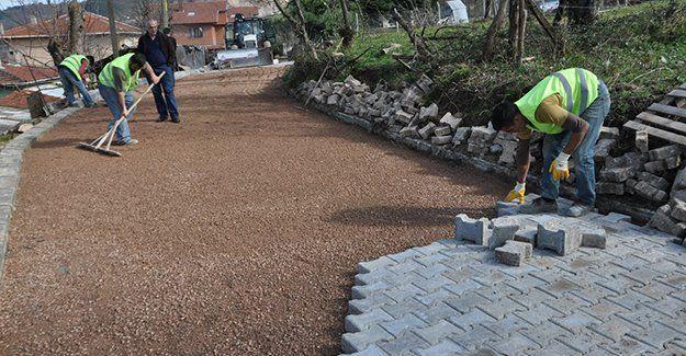 Kilitli parke ve bordür taşı döşenecek