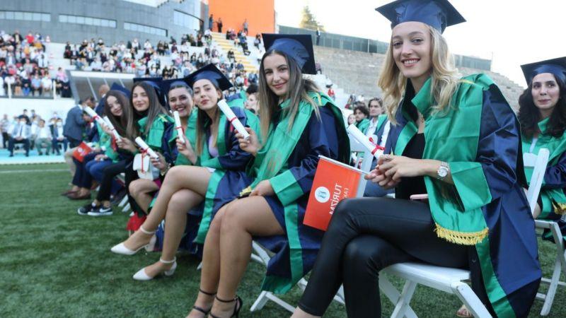 SUBÜ'de mezuniyet coşkusu yaşandı