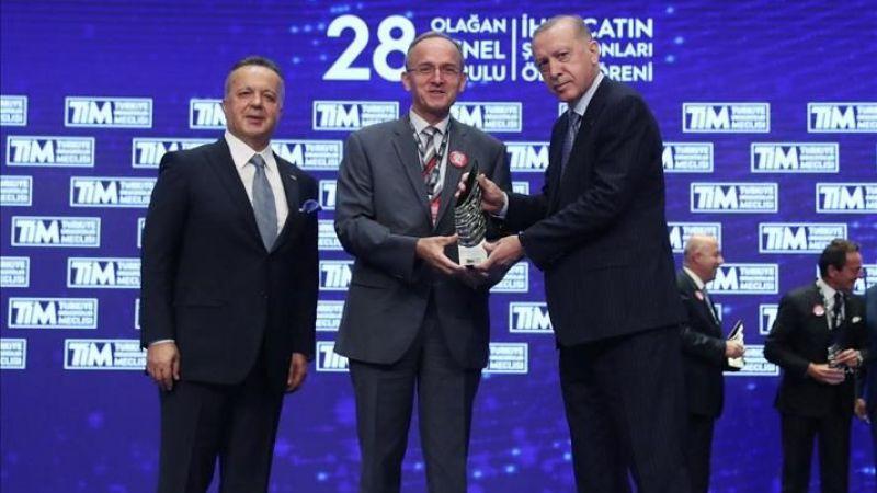 Toyota'ya  Türkiye'ye ihracat şampiyonu ödülü