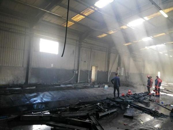 Hendek'te fabrika yangını