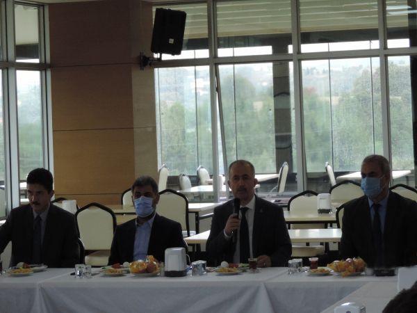 Rektör Prof. Dr. Fatih Savaşan güvenlik personeli ile buluştu