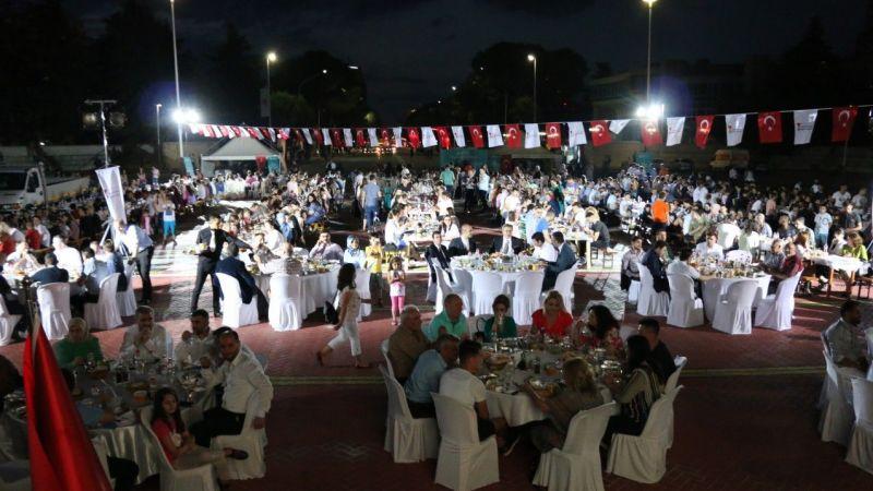 YEE ve Kahramanmaraş Belediyesinden Arnavutluk'ta iftar