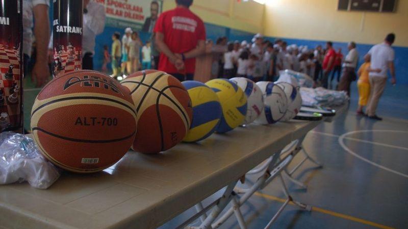 Afşin'de yaz spor okulu açıldı