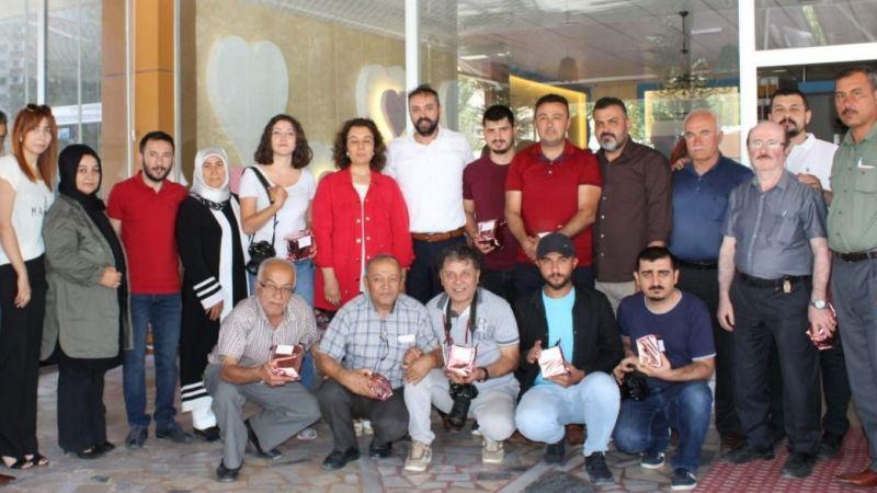 AK Parti Basın mensuplarını unutmadı
