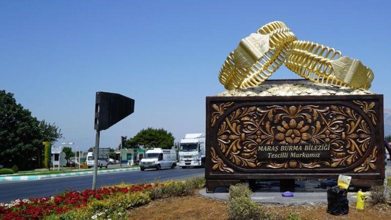 Maraş Bileziği ve Çeyiz Sandığı anıtı dikildi