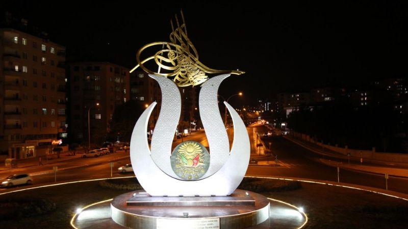 Kahramanmaraş'a dev lale figürü!