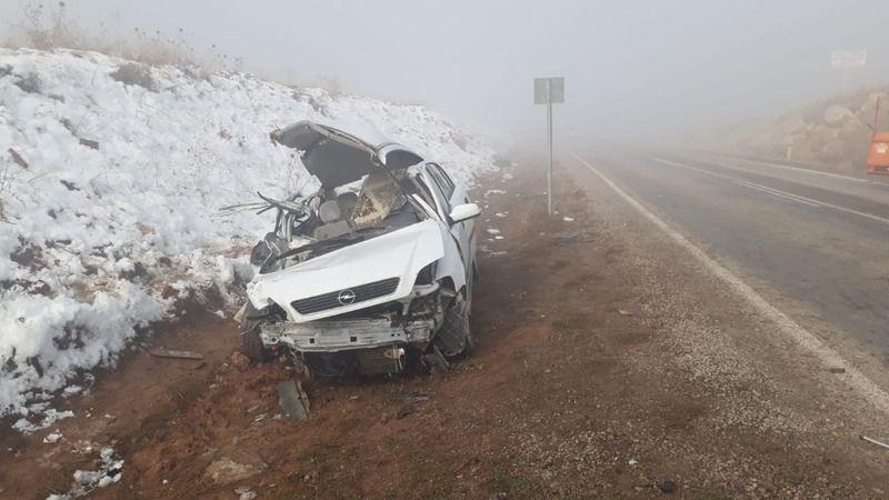 Yoğun Sis   Kazaya Neden Oldu Elbistan-Nurhak   yolunda kaza   3 kişi yaralandı