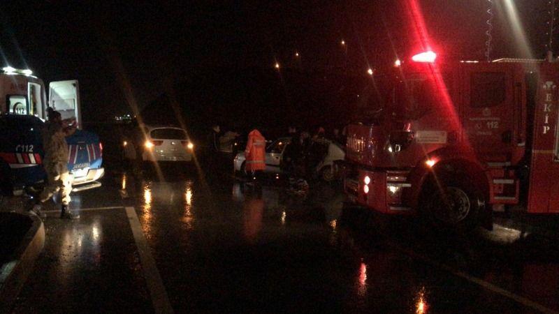 Otomobiller çarpıştı: 7 yaralı
