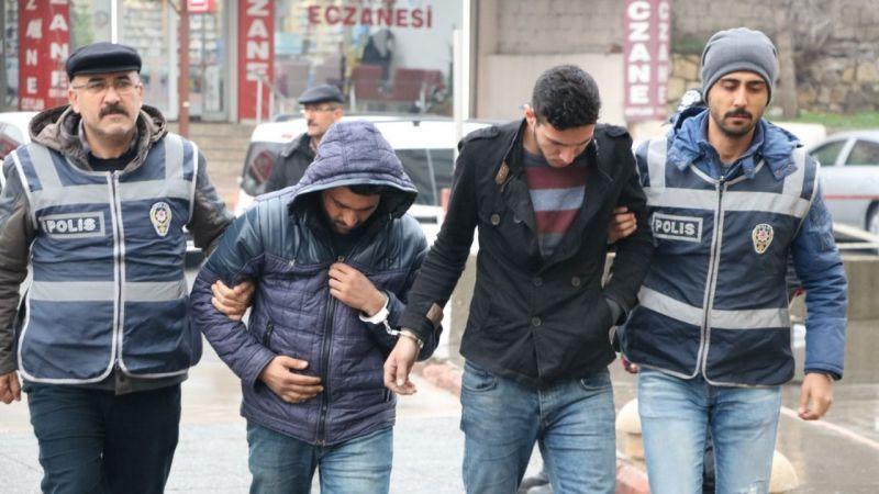 Otomobillerden akü hırsızlığı yapan 3 kişi tutuklandı