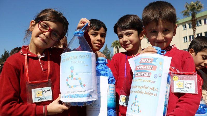 Çocukların topladığı mavi kapaklar engellilere umut oldu