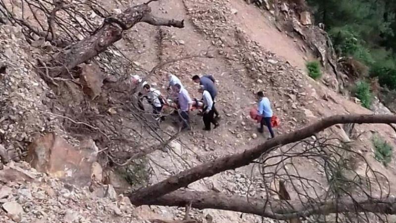 Piknikte uçurumdan düşüp ağır yaralandı