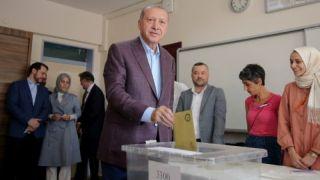 Yunan basınından küstah manşet: Sultan'a tokat