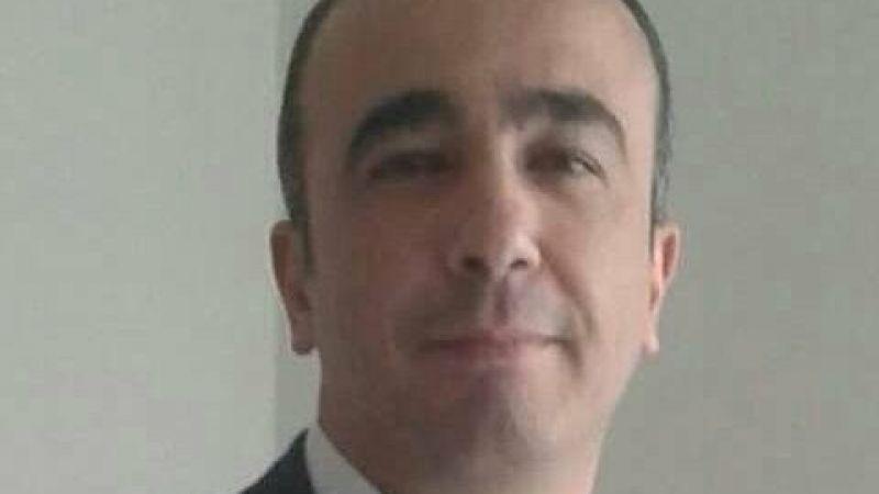 Direksiyon başında kalp krizi geçiren öğretmen hayatını kaybetti