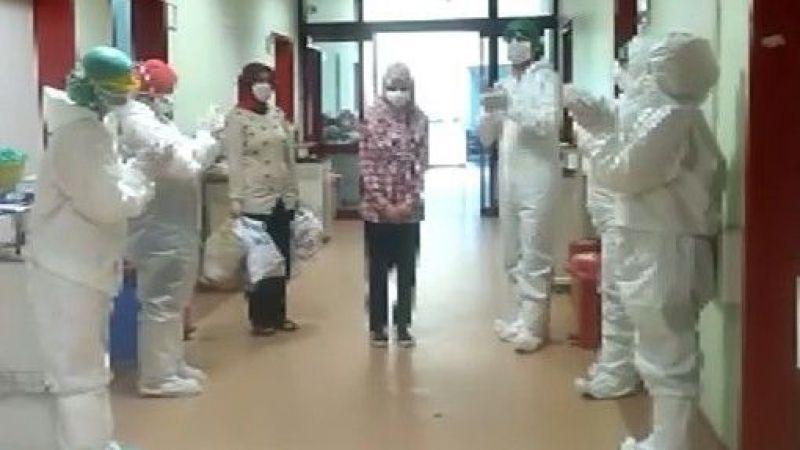 11 yaşında koronavirüsü yendi, alkışlarla taburcu edildi