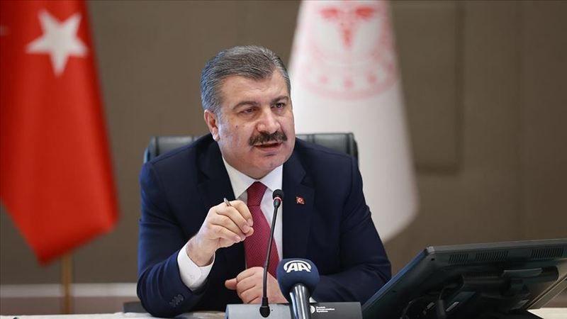 Sağlık Bakanı Koca: Ev dışında mutlaka maske takın ve sosyal mesafeyi koruyun