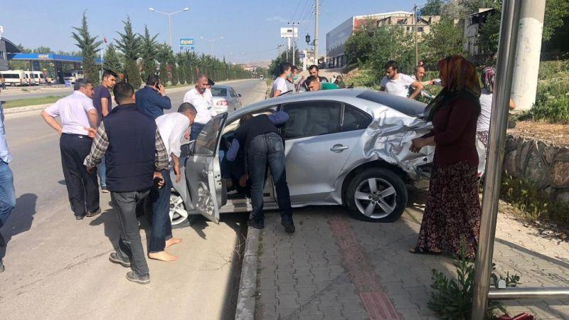 Elbistan'da trafik kazası: 3 yaralı