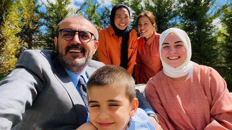 Mahir Ünal'dan bayram selfiesi paylaşımı