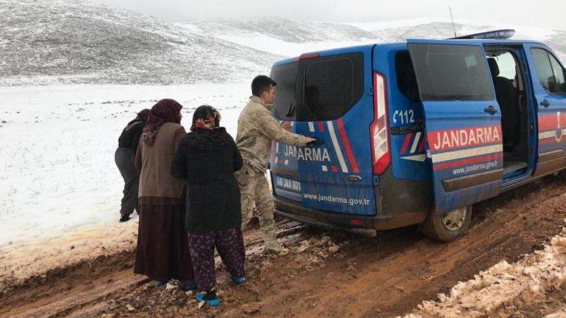Nurhak'ta mahsur kalan vatandaşların imdadına Mehmetçik yetişti