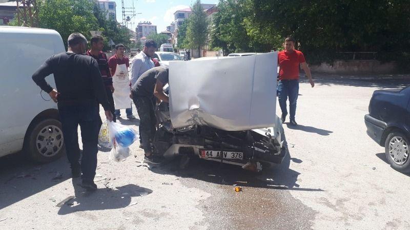 Elbistan'da 7 farklı trafik kazası: 2'si ağır 3 yaralı