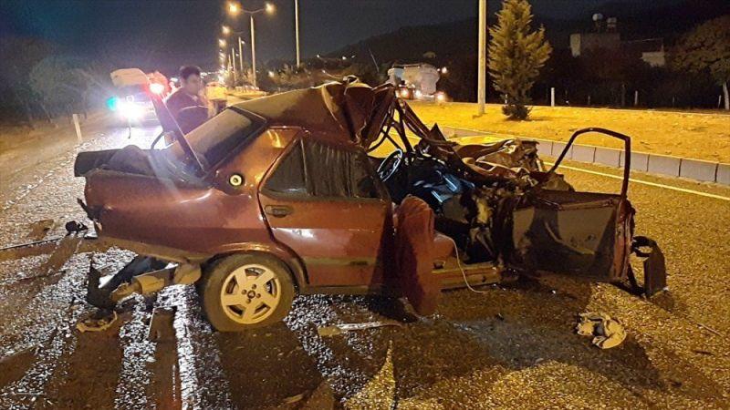 Çok feci zincirleme kaza: 1 ölü 1 yaralı