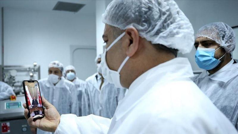 Türkiye'nin Kovid-19 aşısında insan üzerinde deneme aşamasına geçildi