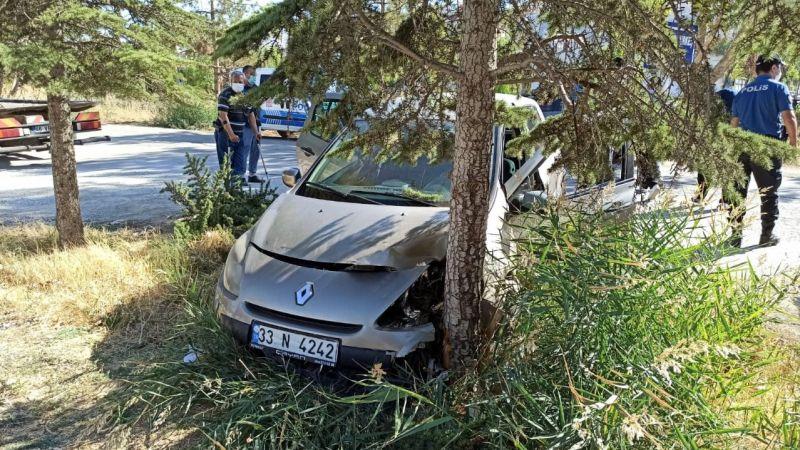 Elbistan'da trafik kazası: Ağaca çarpan otomobilin sürücüsü yaralandı