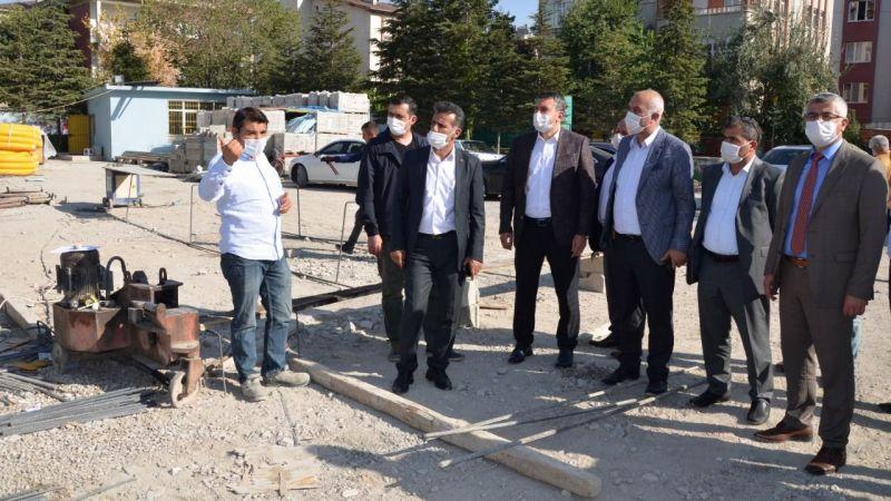 Başkan Tıraş, Elbistan'daki eğitim yatırımlarını yerinde inceledi