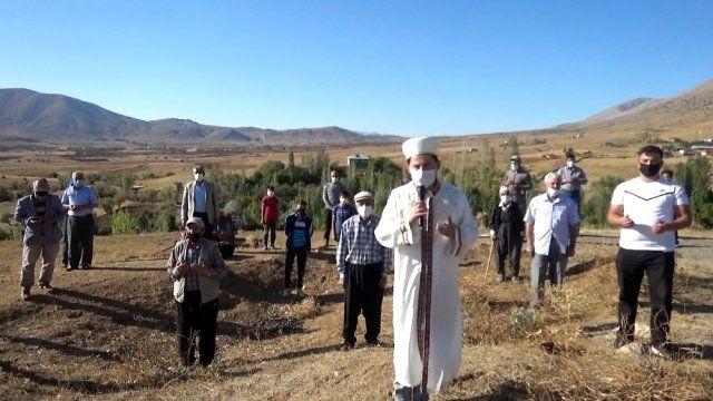 Göksun'da köylüler yağmur duasına çıktı