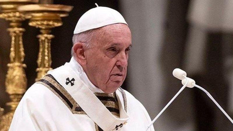 Papa Francis delirdi: Eşcinseller de aile kurma hakkına sahiptir