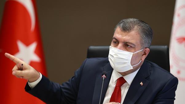 Türkiye'de bugün 77 kişi koronavirüsten öldü