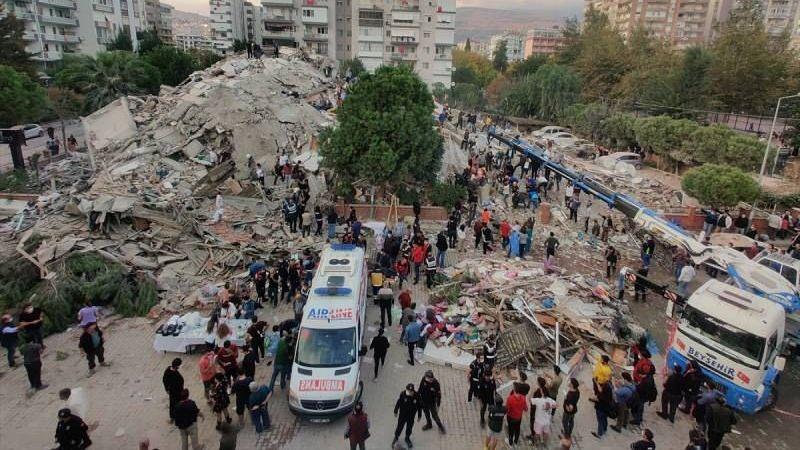 AFAD: İzmir'de 12 kişi hayatını kaybetti 419 kişi yaralandı