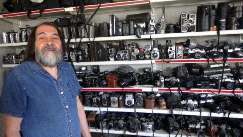 Afşin'de 72 yaşındaki adam tarihi fotoğraf makinelerine gözü gibi bakıyor