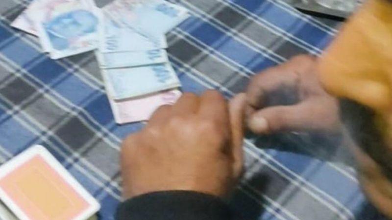 Elbistan'da yeni yıla kumar oynayarak girenlere ceza!